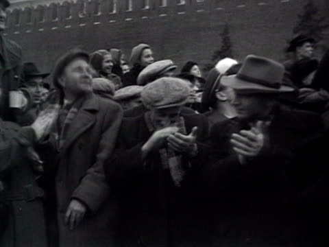 people clapping audio / moscow, russia - anno 1952 video stock e b–roll