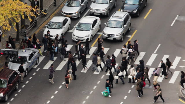 ha, ls people crossing busy street on a pedestrian crossing / seoul, south korea - pushchair stock videos and b-roll footage