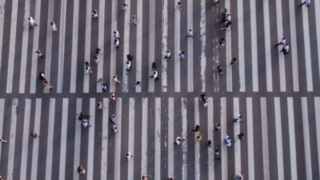 people crossing crosswalk in yeouido / yeongdeungpo-gu, seoul, south korea - general view stock videos & royalty-free footage