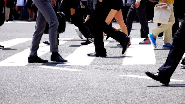 people crossing shibuya - crosswalk stock videos & royalty-free footage