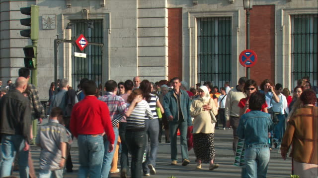WS People crossing street, Puerta del Sol, Madrid, Spain
