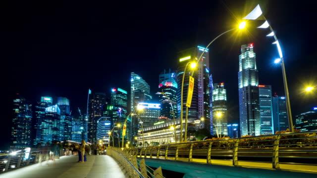 vidéos et rushes de foule de gens à pont à singapour - membres du corps humain
