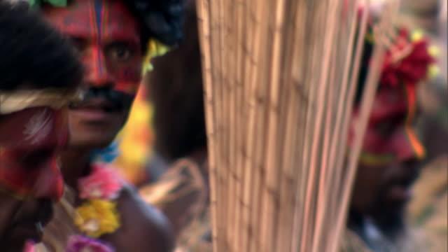 vídeos de stock, filmes e b-roll de people dance at tribal toka festival, tanna island, vanuatu - festival tradicional