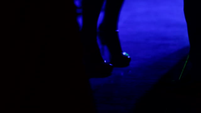 People dancing on the disco - Stock footage