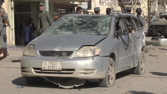 3 people died 17 people wounded during an suicide bomb attack that targets vehicle of an afghan mp shukria barakzai in the capital kabul afghanistan... - 2001年~ アフガニスタン紛争点の映像素材/bロール