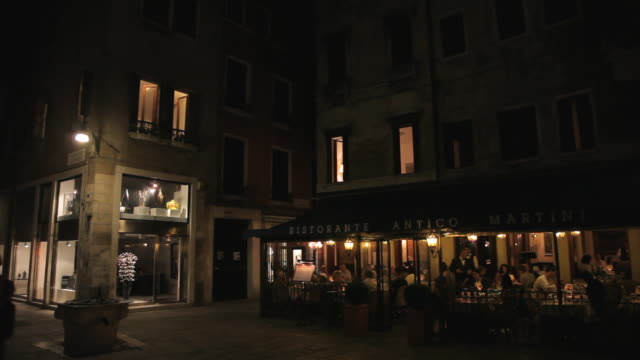 WS LD People Dining in Restaurant at Night / Venice, Italy
