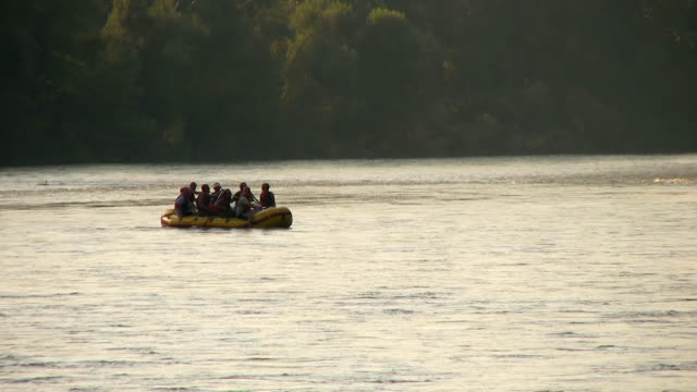 hd: people enjoying a rafting trip - small boat stock videos & royalty-free footage