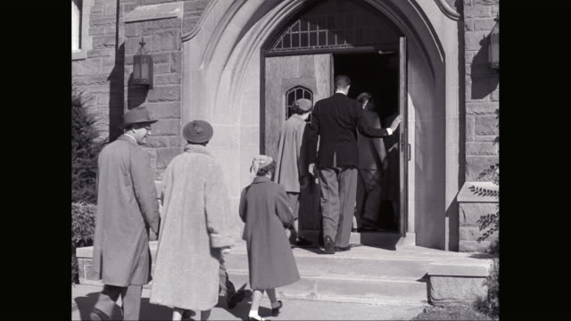 MS People entering in church / United States