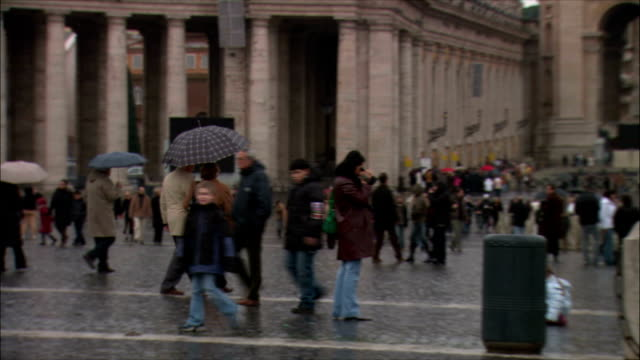 ws zo people gathered at st peter's square on christmas / vatican city, vatican - christmas decoration stock videos & royalty-free footage