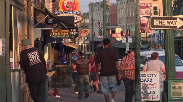 WS People in Beale Street, Memphis, Tennessee, USA