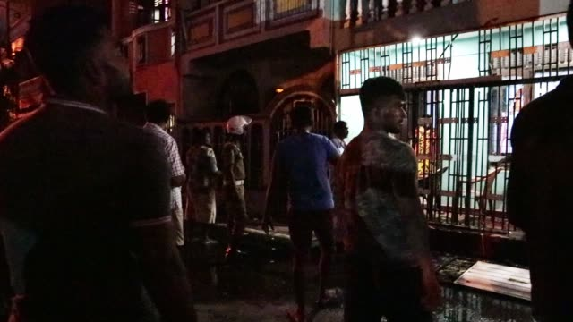 people in colombo, sri lanka on april 22 a day after the series of bomb blasts targeting churches and luxury hotels in sri lanka. - the death toll... - スリランカ点の映像素材/bロール
