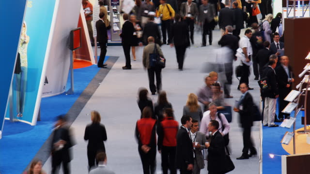 t/l, ha, ms, people in exhibit hall, munich, germany - exhibition stock videos & royalty-free footage