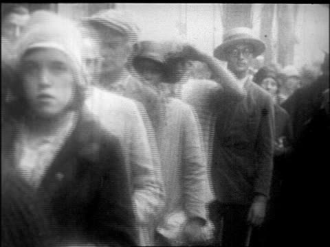 b/w 1926 people in line to see body of rudolph valentino / nyc / newsreel - 1926 stock videos & royalty-free footage