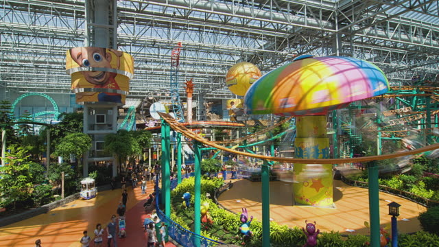 T/L WS HA People in Mall of America amusement park, Bloomington, Minnesota, USA