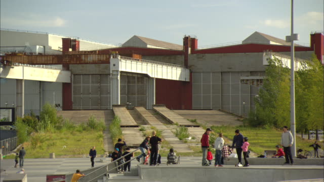 ws people in skate park / malmo, sweden - malmo stock videos and b-roll footage