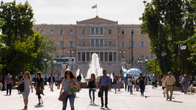 TL WS people in Syntagma Square