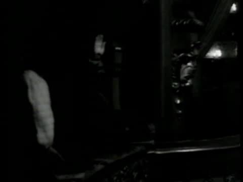 vidéos et rushes de people in 'teatro nacional de sao carlos' opera house balconies . man in uniform on balcony waving . vs ballet dancers performing on stage. conductor... - opéra style musical