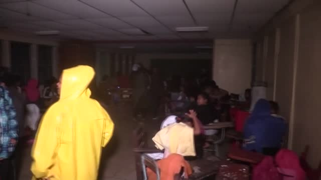 people in the coastal nicaraguan city of bilwi board up windows and head to shelters as storm eta, which has strengthened to a category 4 hurricane,... - managua stock videos & royalty-free footage