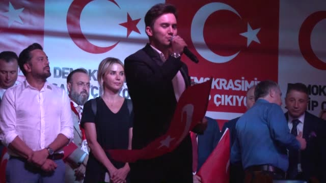 people including artists and celebrities gather at the kizilay square to protest against the parallel state/gulenist terrorist organization's failed... - staatsstreich stock-videos und b-roll-filmmaterial