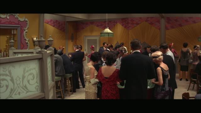 vidéos et rushes de ms people inside the gambling club / chicago, illinois, usa - chance