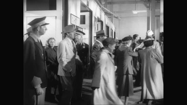 MS People leaving into stadium / United States