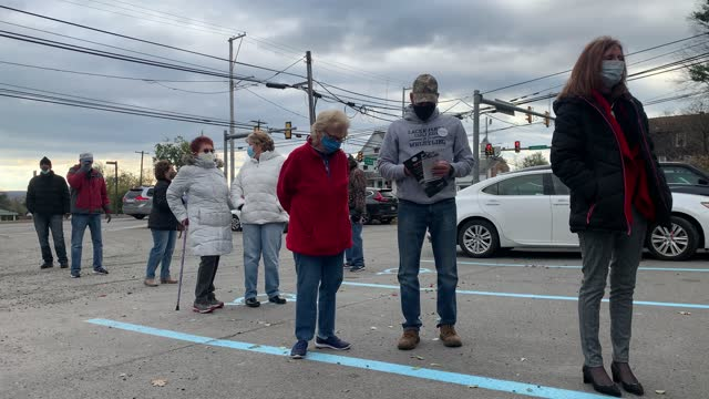 people line up to vote in the presidential election at a polling station on november 03, 2020 in scranton, pennsylvania. after a record-breaking... - pennsylvania stock-videos und b-roll-filmmaterial