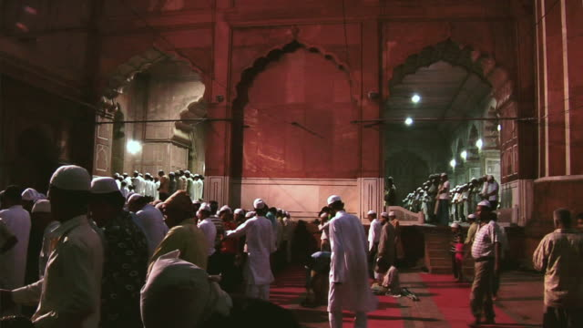 MS People lining up before offering Namaz at Jama Masjid / Delhi, India