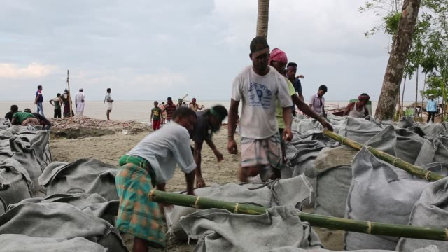 People lost their home at riverbank due to erosion in Soriotpur Bangladesh Erosion is endemic in Bangladesh with millions affected as farmland crops...