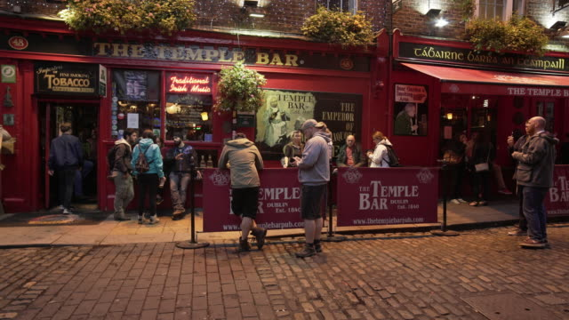 People Meeting At Dublin Temple Bar Pub
