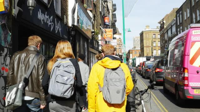 People Moving In London Shoreditch Brick Lane (UHD)