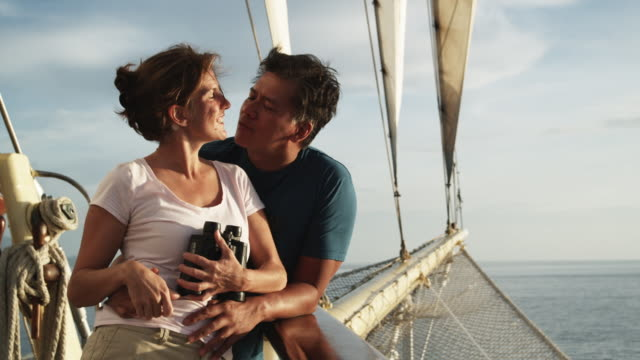 people on a yacht - isola di tahaa video stock e b–roll