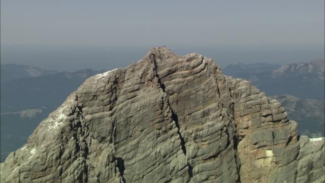aerial zi people on dachstein mountain summit, styria, austria - dachstein mountains stock videos and b-roll footage