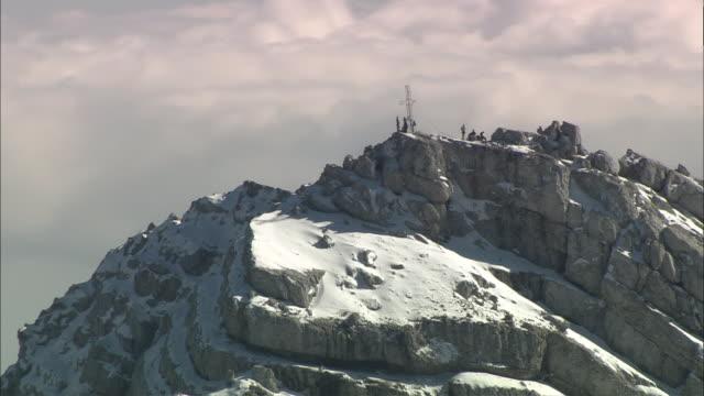 aerial zo people on dachstein mountain summit, styria, austria - dachstein mountains stock videos and b-roll footage