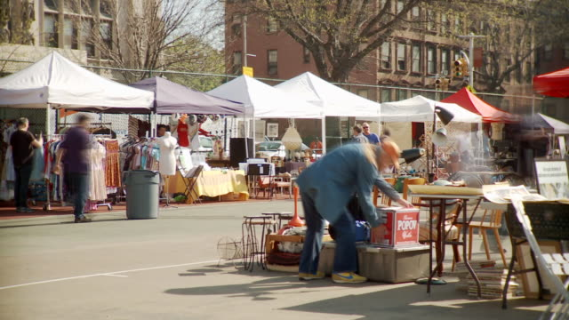 t/l ws pan people on flea  market, new york city, new york, usa - 50 seconds or greater stock videos & royalty-free footage