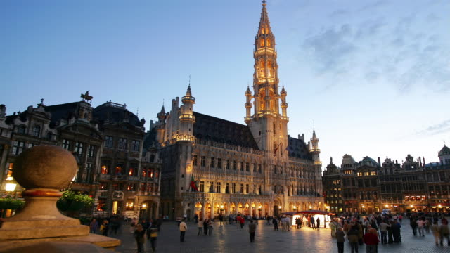 ws, t/l, people on grand-place, day to night, brussels, belgium - circa 15th century stock videos & royalty-free footage