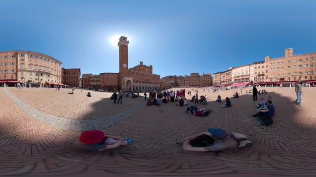 360 vr / people on piazza del campo, siena - palazzo pubblico stock videos and b-roll footage