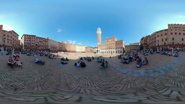 360 vr / people on piazza del campo, siena - panoramic stock videos & royalty-free footage