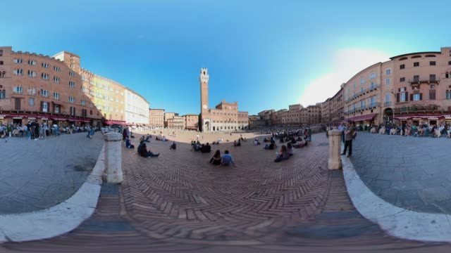 360 vr / people on piazza del campo, siena - 360 video stock videos & royalty-free footage