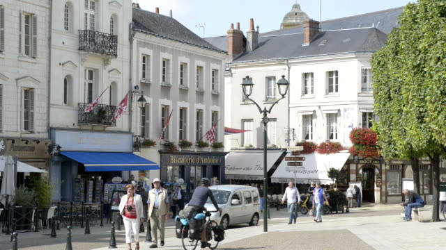 people on place michel debre, old town of amboise - old town点の映像素材/bロール