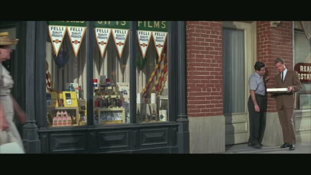ms people on sidewalk / boston - gemeinsam gehen stock-videos und b-roll-filmmaterial