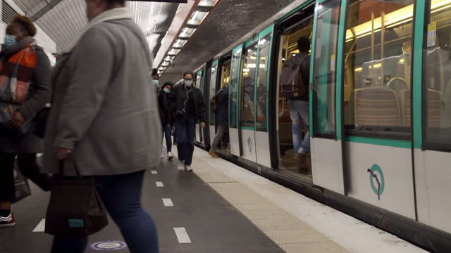 people on the platform of a metro - underground station stock videos & royalty-free footage