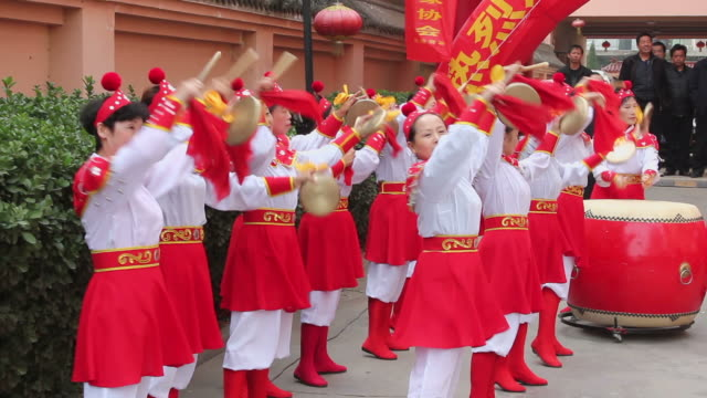 ms people performing gongs and drums with costumes/xian,shaanxi,china - only mid adult women stock videos & royalty-free footage
