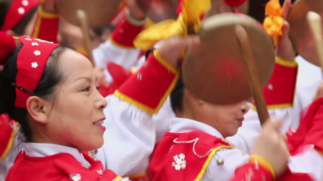 ls cu people performing gongs with costumes/xian,shaanxi,china - only mid adult women stock videos & royalty-free footage