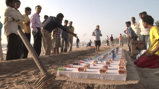 ws people playing game at juhu beach, mumbai, maharashtra, india - mumbai stock videos & royalty-free footage