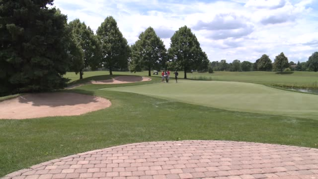 wgn people playing golf at the hilton oak brook resort on july 22 2015 in oak brook illinois - dupage county stock videos & royalty-free footage
