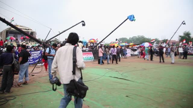 WS PAN People protest against corruption in Anna Hazare's indefinite fast at Ramlila Ground AUDIO / Delhi, Delhi, India