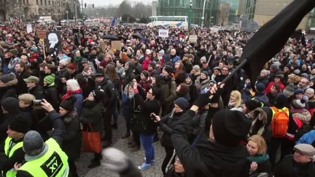 vidéos et rushes de people protesting against a new government measure to further restrict abortions in poland march as part of 'black friday' demonstrations nationwide... - pologne
