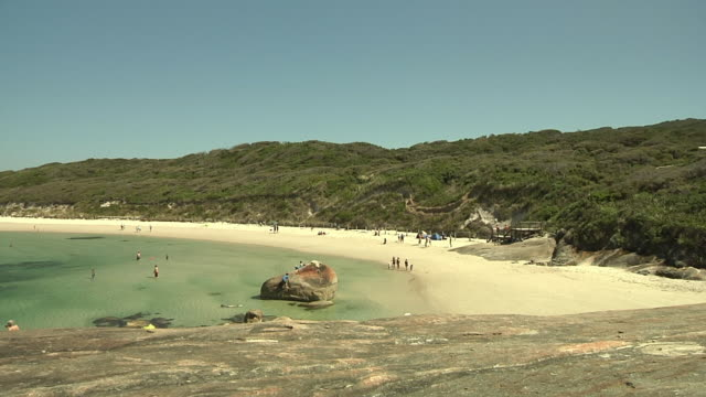 ws people relaxing on beach / denmark, western australia, australia - western australia bildbanksvideor och videomaterial från bakom kulisserna