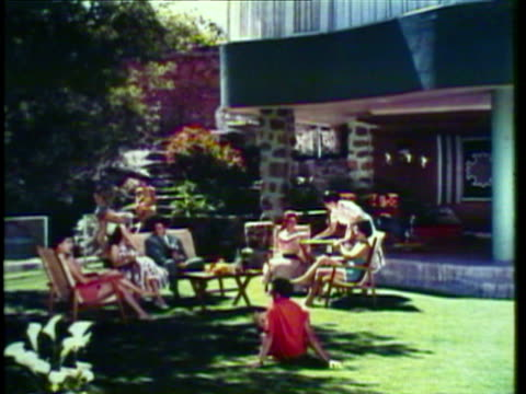 1953 WS MS PAN People relaxing resorts / Acapulco, Mexico / AUDIO