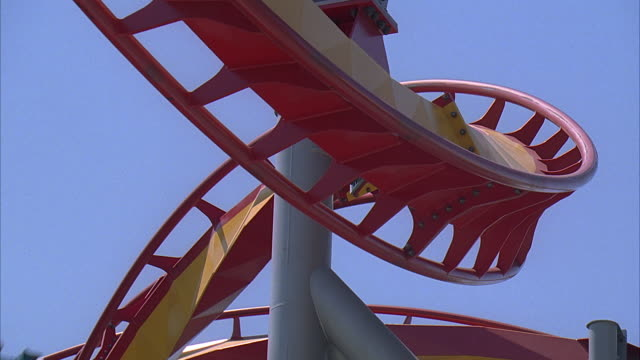 slo mo la cu people riding silver bullet roller coaster at knott's berry farm / buena park, california, usa - unknown gender stock videos & royalty-free footage